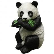 Панда стоящая с листом, 19х27 см