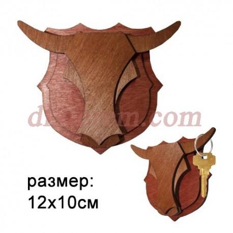 Ключница резная деревянная Бык на щите 12х10см