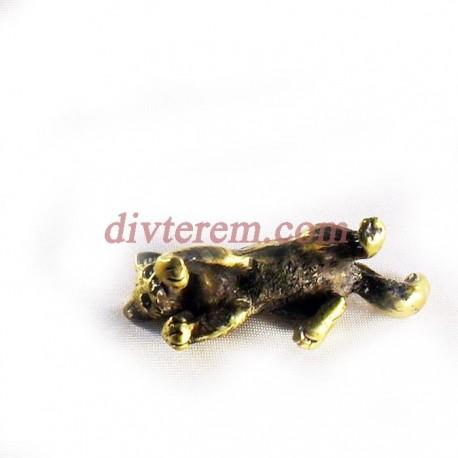 Статуэтка амулет,Играющая кошка  ,55-20-20мм ,бронза
