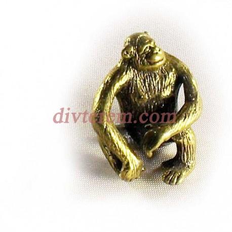 Статуэтка амулет,Эпотажная обезьяна  ,30_35-25мм ,бронза