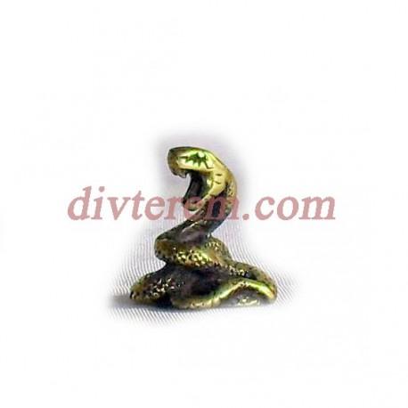 Фигурка,амулет,Атакующея змея  ,24-20-15  мм,Бронза
