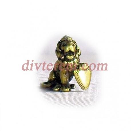 Фигурка,амулет,Лев с щитом  ,25-25-10  мм,Бронза